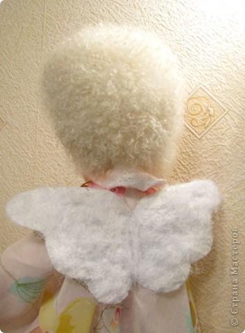 Нежный и добрый ангел, который создан, что бы охранять и защищать маленького ребеночка.  Ангел сам говорил, каким его делать, я лишь прислушивалась  фото 9
