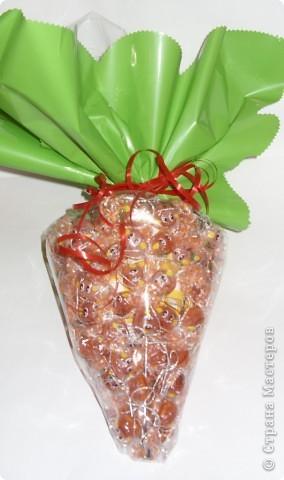 Ёлку можно украсить и оставить просто ёлкой, а можно превратить её в морковку. Мастер-класс по изготовлению ёлки здесь:  http://stranamasterov.ru/node/126702 фото 6