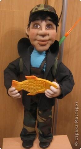 Вот и появился на свет очередной рыбак. Сделала его буквально на одном дыхании. Наверное, заказчица оказалась не вредной. фото 2