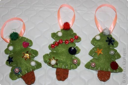 Вот такие новогодние ёлочки получились буквально за пол часа. Может кому-нибудь идея пригодится.  фото 2