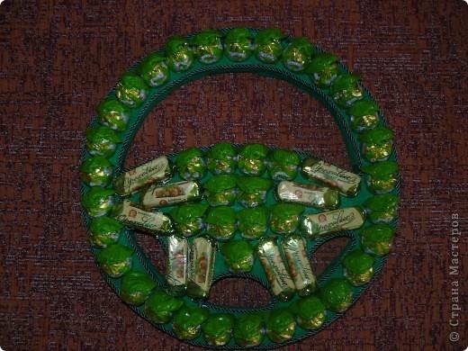 Руль для мужчины -водителя на 50-тилетие из 50 конфет) фото 1
