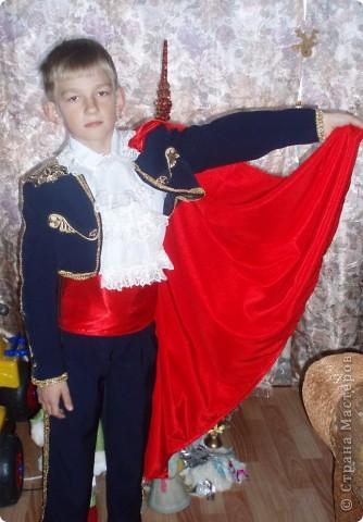 вот они мои самые любимые, костюмы шила сама, вы первые зрители:)))))вам судить фото 3