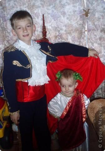 вот они мои самые любимые, костюмы шила сама, вы первые зрители:)))))вам судить фото 2