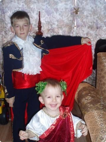 вот они мои самые любимые, костюмы шила сама, вы первые зрители:)))))вам судить фото 1