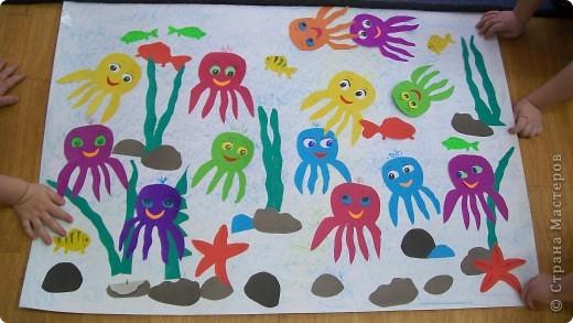 делали детки от 2 лет.  аквариум,ватман,работы детей  1 младшей группы фото 2