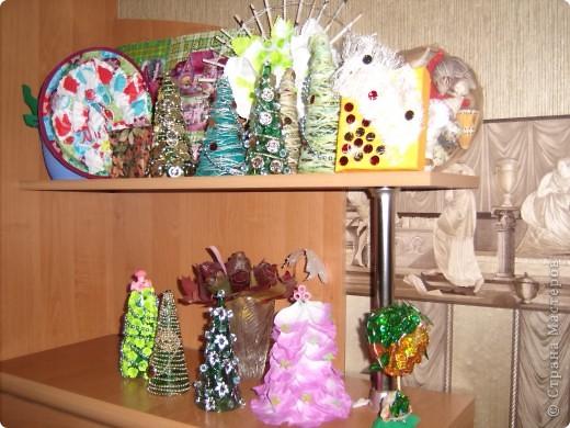 Сегодня срочно доделывала подарки.  Одноразовые фужеры просто чудо! Это же готовые елки. Только украшай. фото 10
