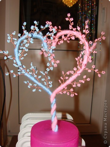 Дерево-сердце из бисера.