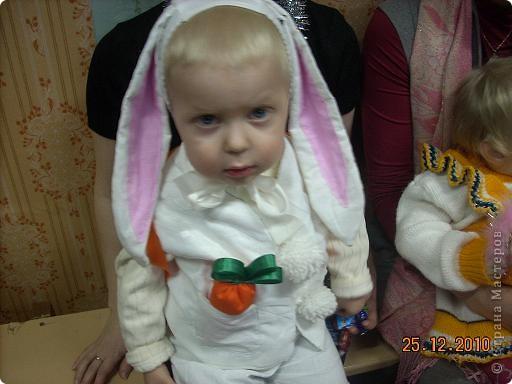Это мой внук Левушка. Но сегодня он мой зая...   фото 1