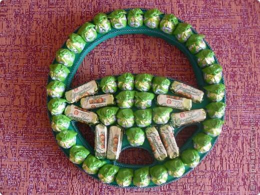 Руль для мужчины -водителя на 50-тилетие из 50 конфет) фото 2