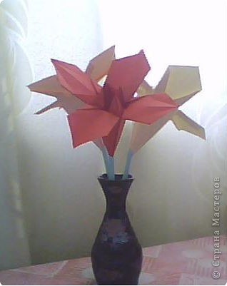Мои первые цветы из бумаги фото 1