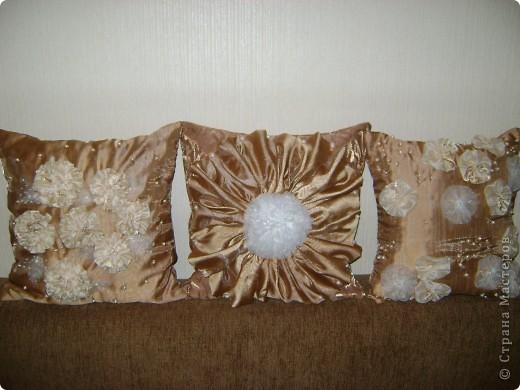 От шитья штор остались лоскуты, которые как то превратились в подушки. фото 1