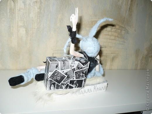 Очередной подарок подруге! На этот раз к Новому году!  Но образ зайца подойдет для нее и в любой другой год, так как подруга обладает звучной фамилией Кроль!:) фото 4