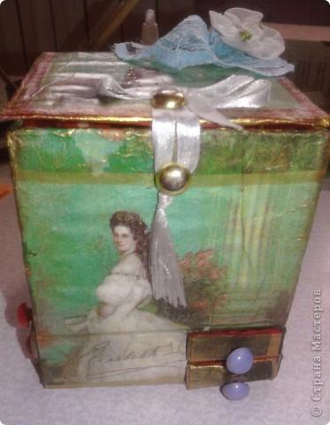 берём 8 пустых спичечных коробков,складываем их как на рисунке фото 17