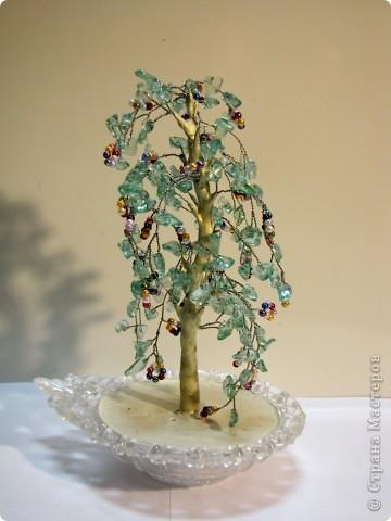 Необыкновенно красивое деревце от Тамарочки. Никогда не занималась бисероплетением, только любовалась на работы других. Теперь у меня есть. И это почему то сделало меня хоть немного, но счастливее. фото 1