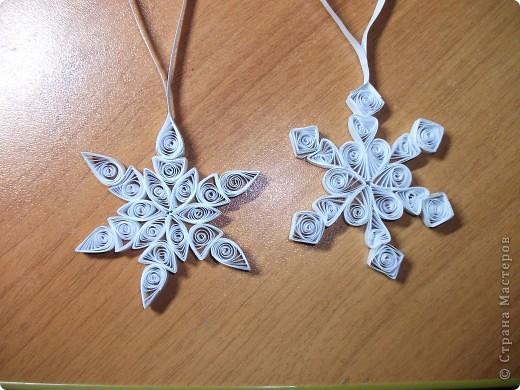 Мои первые снежинки)))