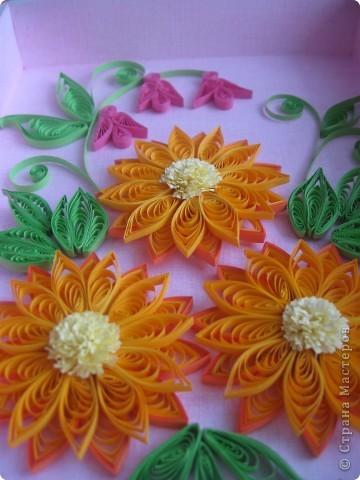 Накопились у меня цветочки и я сделала из них несколько композиций.Решила показать их Вам, пока они без рамок - фотографии без стекла получаются лучше. фото 2