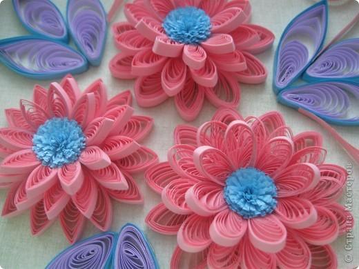 Накопились у меня цветочки и я сделала из них несколько композиций.Решила показать их Вам, пока они без рамок - фотографии без стекла получаются лучше. фото 8