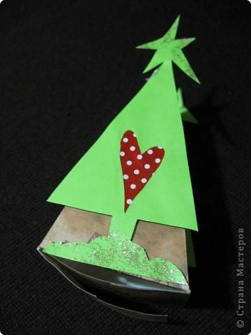 Треугольные ёлки не дают мне покоя. И все, что имеет форму треугольника, я перевожу (в своем больном воображении))))), на елки. Вот вспомнились кусочки торта. фото 9