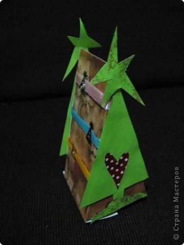Треугольные ёлки не дают мне покоя. И все, что имеет форму треугольника, я перевожу (в своем больном воображении))))), на елки. Вот вспомнились кусочки торта. фото 10