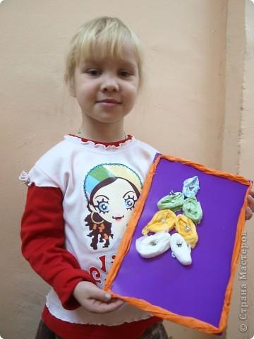Фруктами, обувью красивой и новой украсила свою ёлку Лиза, 6 лет фото 3