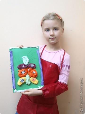 Фруктами, обувью красивой и новой украсила свою ёлку Лиза, 6 лет фото 8