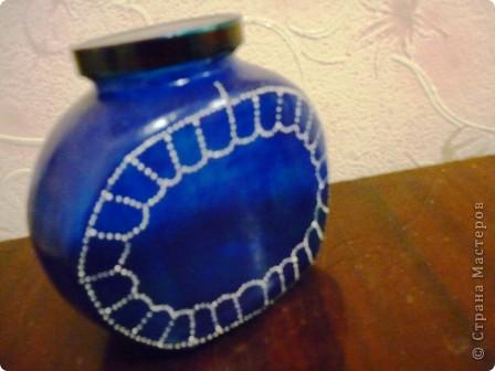 Материалы: Баночка стеклянная. Контуры по стеклу и керамике акриловые. Краска по керамике акриловая , синяя. Фантазия.  фото 3