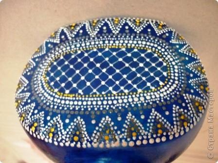Материалы: Баночка стеклянная. Контуры по стеклу и керамике акриловые. Краска по керамике акриловая , синяя. Фантазия.  фото 5