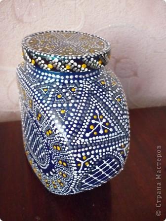 Материалы: Баночка стеклянная. Контуры по стеклу и керамике акриловые. Краска по керамике акриловая , синяя. Фантазия.  фото 8