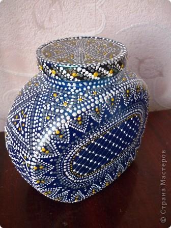 Материалы: Баночка стеклянная. Контуры по стеклу и керамике акриловые. Краска по керамике акриловая , синяя. Фантазия.  фото 1