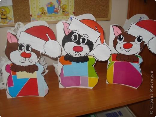 """Наконец то мы сделали подарки для родителей. Они были в восторге. Спасибо за идею. Мы только немного видоизменили ее: сделали в виде открытки, внутри написали """" с новым годом"""" и нарисовали много- много снежинок. фото 2"""