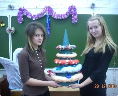Сегодня, в последний день второй четверти мы с моими девятиклассницами развозили подарки... фото 5