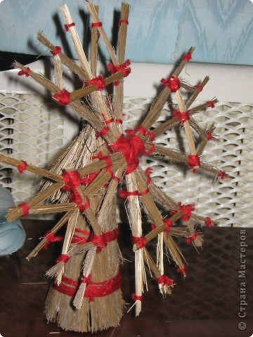 Вот такая креативная ёлка к новому году . фото 3