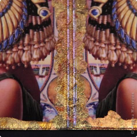 Синтетическая обложка для паспорта, декорированная в технике декупаж ,с покрытием хлопьями потали. фото 3