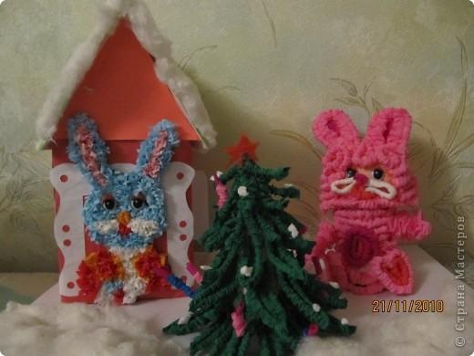 Поделку делали с сыном для садика. Вот такие зайцы у нас получились.  С наступающим Новым годом всех!