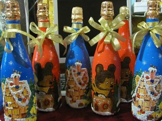 Маленький заказик на Новый Год. Для меня, как для начинающего эти бутылочки уже снились... Пора придумать что-нибудь эдакое!