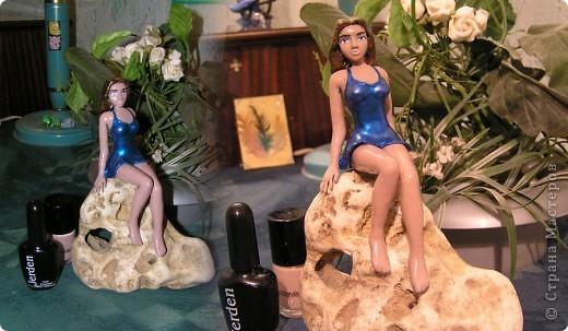 Русалочка, оказавшаяся на суше. скульптура из пластелина, окрашена лаками для ногтей. первая работа. размер скульптуры можно увидеть в сравнении с баночками лака.