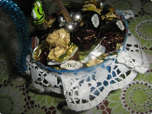 Вот часть подарочков. Конфетное дерево - от меня. Ёлка (она уже была в блоге)) и снегурка - брата(7 лет). фото 2