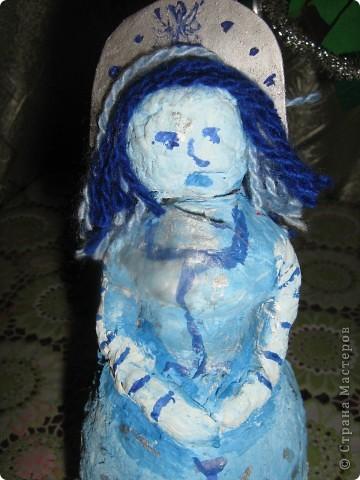 Вот часть подарочков. Конфетное дерево - от меня. Ёлка (она уже была в блоге)) и снегурка - брата(7 лет). фото 4