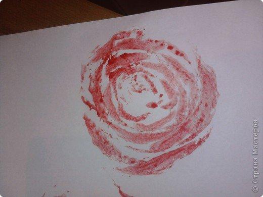 Сегодня резала салаты к празднику и вспомнила про штамп из капусты,решила сфоткать вдруг ещё кто не видел нам понадобится краска,листок и собственно пекинская капуста фото 1