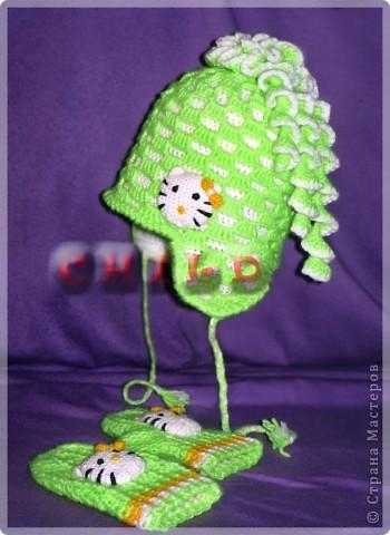 Вот такой осенне-весенний комплект: шапочка с ушками и варежки фото 2