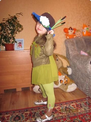 В детском саду на празднике дочка была кикиморой. получился вот такой костюмчик.  фото 1