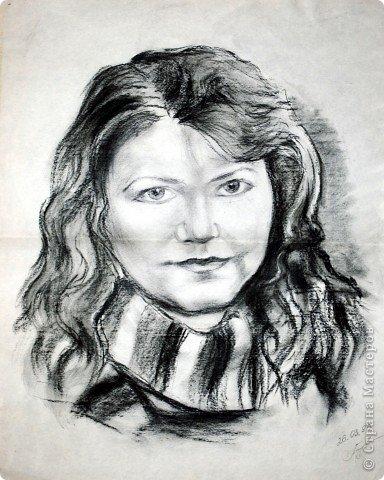 Этот портрет нарисован кажется сангиной, такой черный художественный мелок фото 2