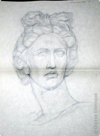 Этот портрет нарисован кажется сангиной, такой черный художественный мелок фото 30