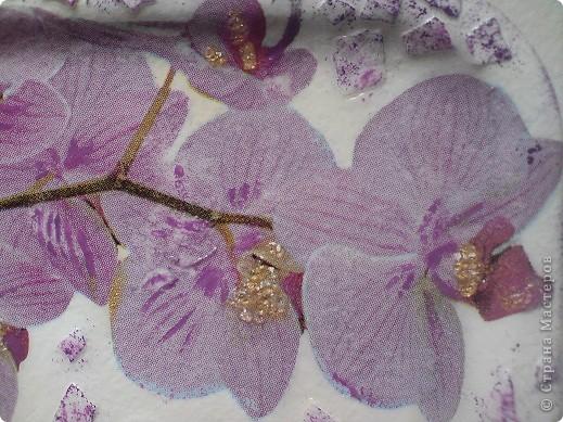 К сожалению цветы в букетах имеют свойство быстро увядать... А так хочется, что бы память о дарителе сохранилась подольше. С момента начала моей декупажемании я одарила цветочными магнитами уже не одну из своих знакомых. Пока всем нравится... фото 2
