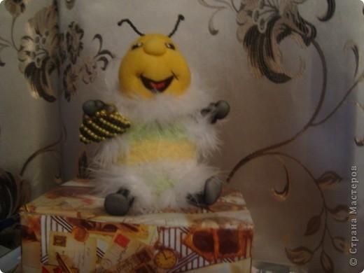 Вот такую пчелку-игольницу я сшила свекрови на Новый год фото 1