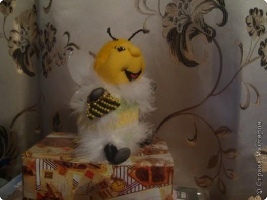 Вот такую пчелку-игольницу я сшила свекрови на Новый год фото 2