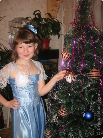 Новогоднее платье для дочки, фасон простой, большее мне не осилить :)