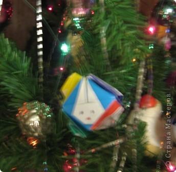Это Кролик озорной! Это Зайка не простой: Он принес нам всем подарки, Чтобы праздничной и яркой Наша жизнь всегда была, Чтобы радость всех ждала, Чтобы был весь год прекрасным, Подарил здоровье, счастье!   фото 5