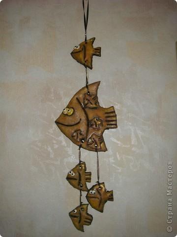 Одна из моих первых работ. Подарок на день рождения свекрови. Мама-Бабушка-рыба. Она, дети и внуки.  фото 1