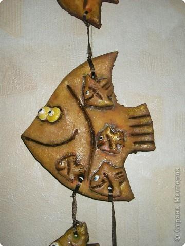 Одна из моих первых работ. Подарок на день рождения свекрови. Мама-Бабушка-рыба. Она, дети и внуки.  фото 2